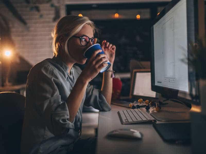 Lady-at-a-computer